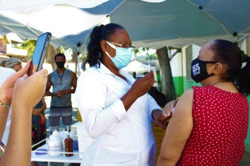 Japeri inclui novos grupos na campanha de vacinação contra a Covid-19